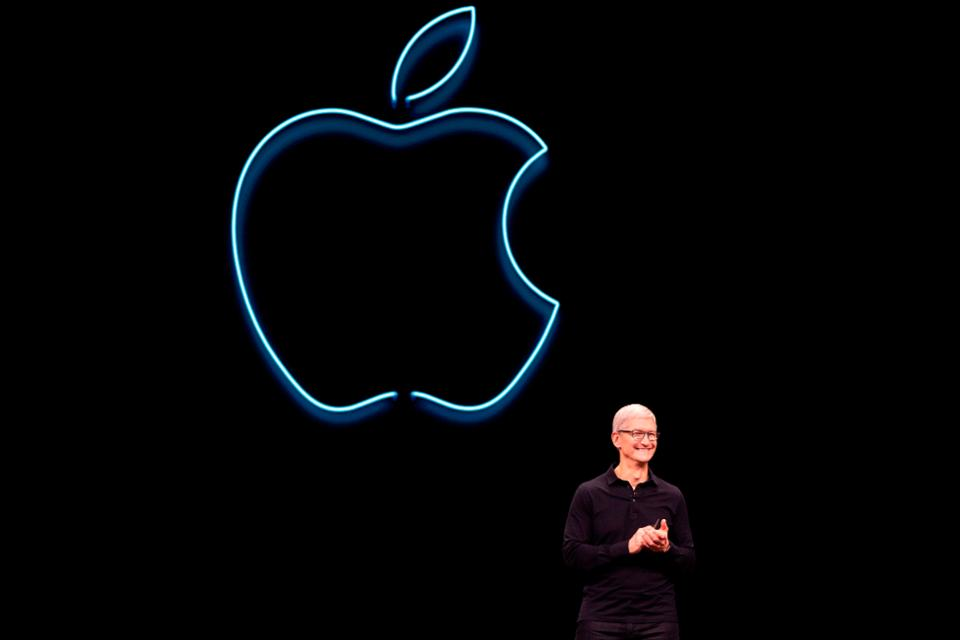 Apple ditches Intel